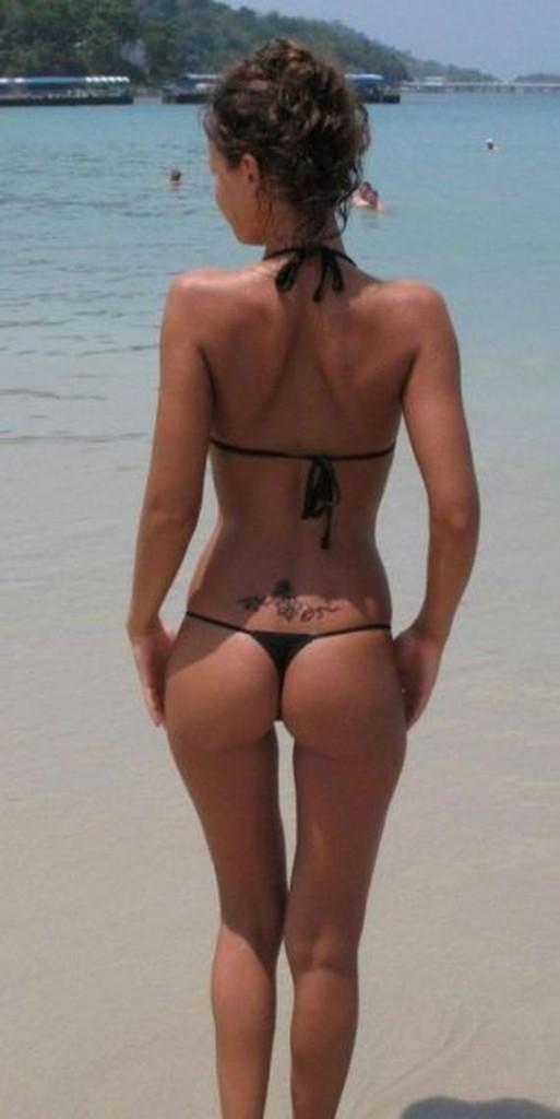 06-sun_in_bikinis