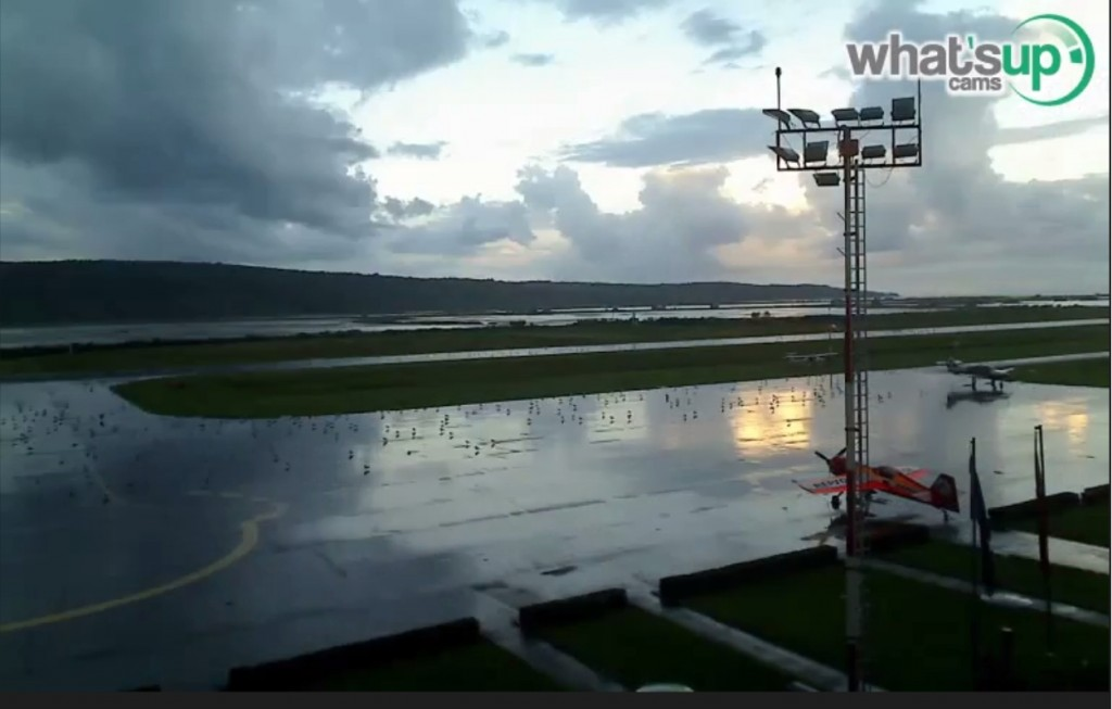2014-08-16 22-37-22-Clip - portorož aerodrom 15.08.2014