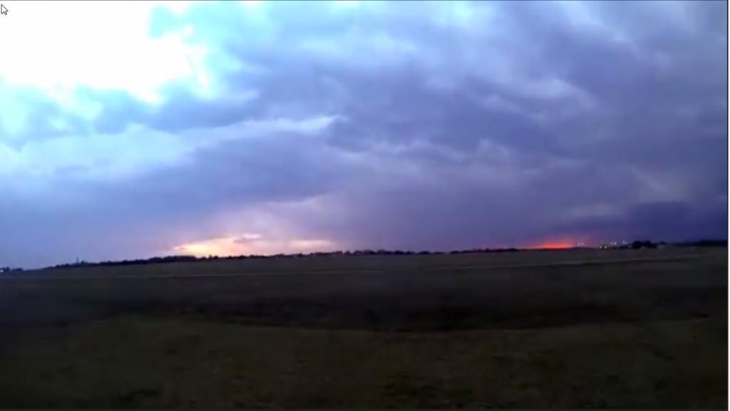 2015-03-22 01_28_28-Clip - Storm Cloud Formation - Multiple Time Lapses - April 23, 2014 - Deeyung E