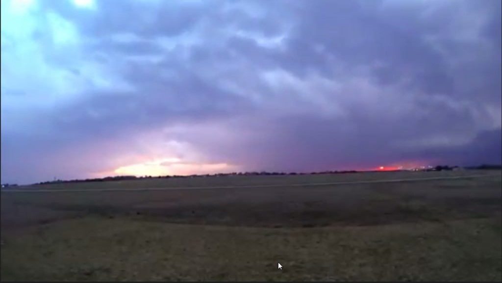 2015-03-22 01_28_53-Clip - Storm Cloud Formation - Multiple Time Lapses - April 23, 2014 - Deeyung E