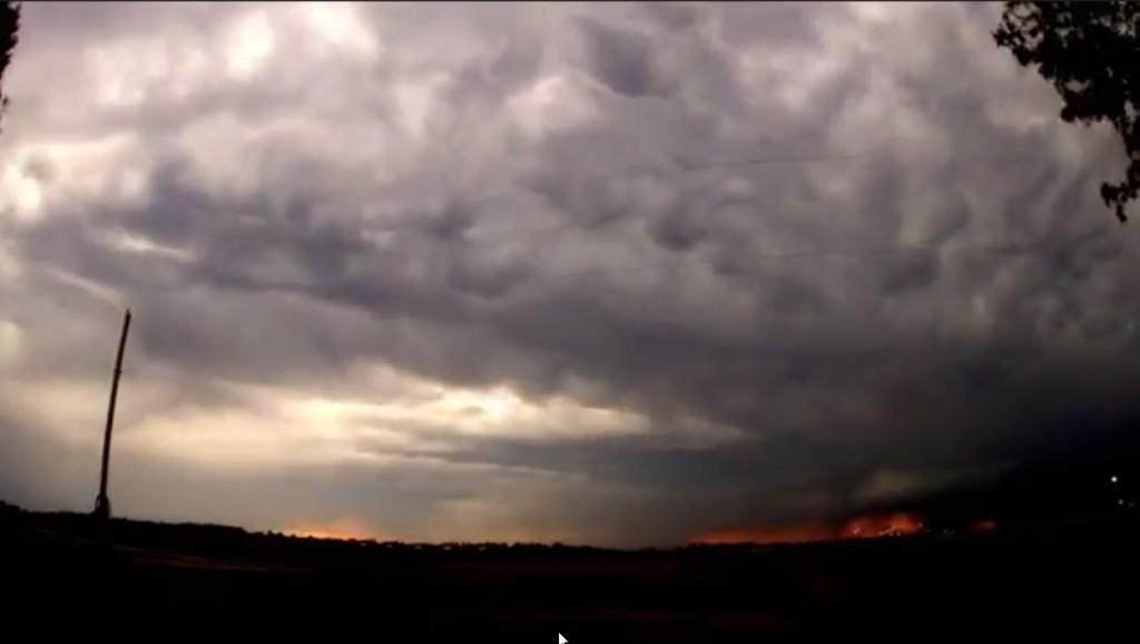 2015-03-22 01_30_54-Clip - Storm Cloud Formation - Multiple Time Lapses - April 23, 2014 - Deeyung E