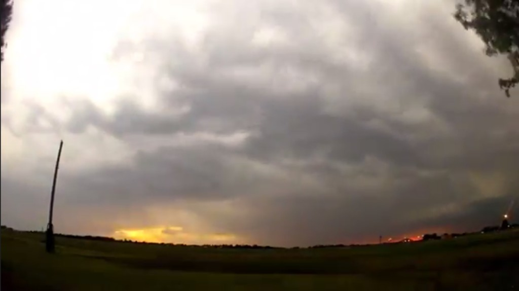 2015-03-22 01_31_15-Clip - Storm Cloud Formation - Multiple Time Lapses - April 23, 2014 - Deeyung E